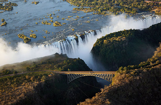 Experience the spectacular sights and awe-inspiring beauty of Victoria Falls with TripGift